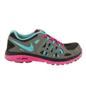 Nike (6.5Y) Youth Dual Fusion Run 2 Running Shoes